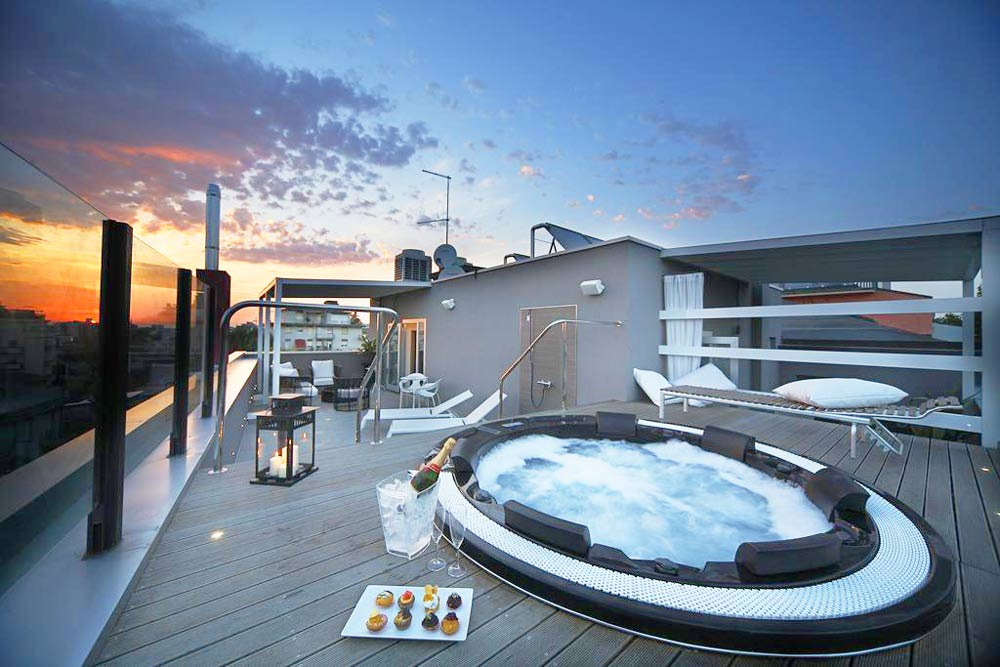 отель с видом на море