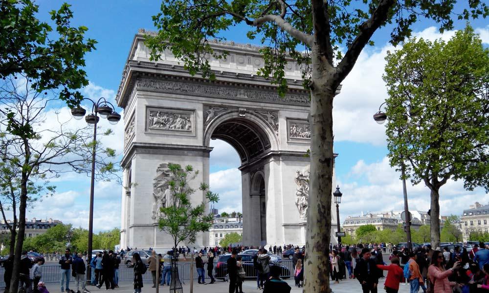 где побывать в Париже