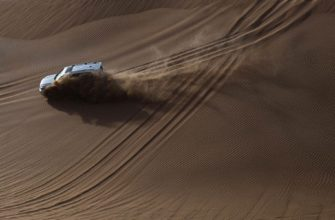 экскурсии в Абу-Даби по пустыне на джипе