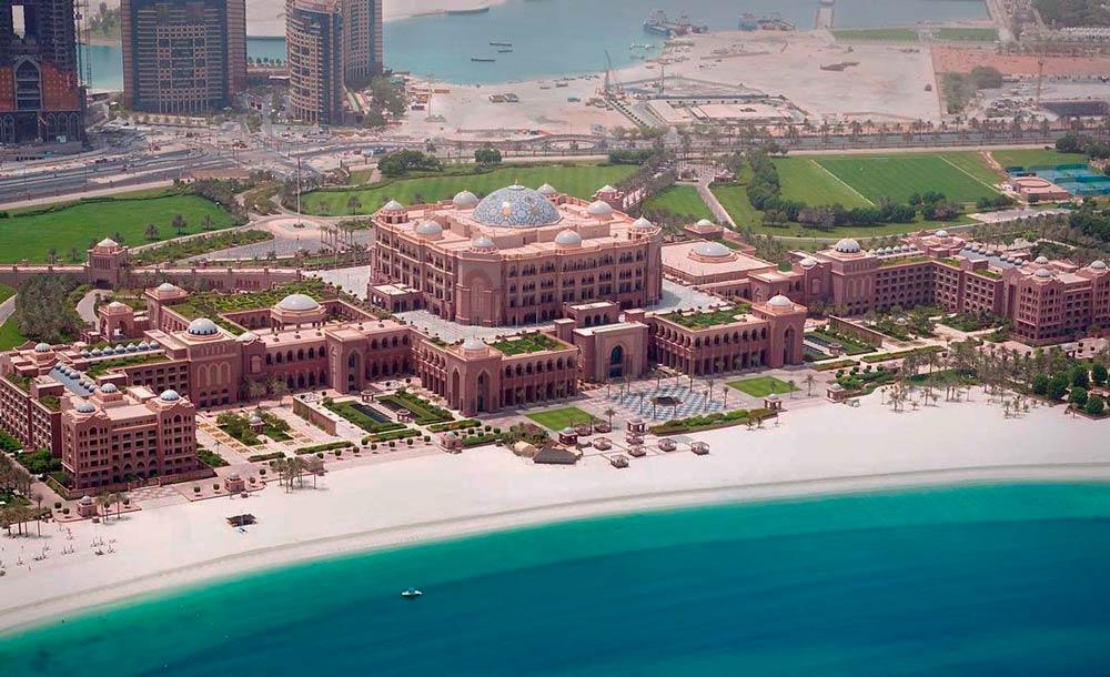 Отели в Абу-Даби у залива