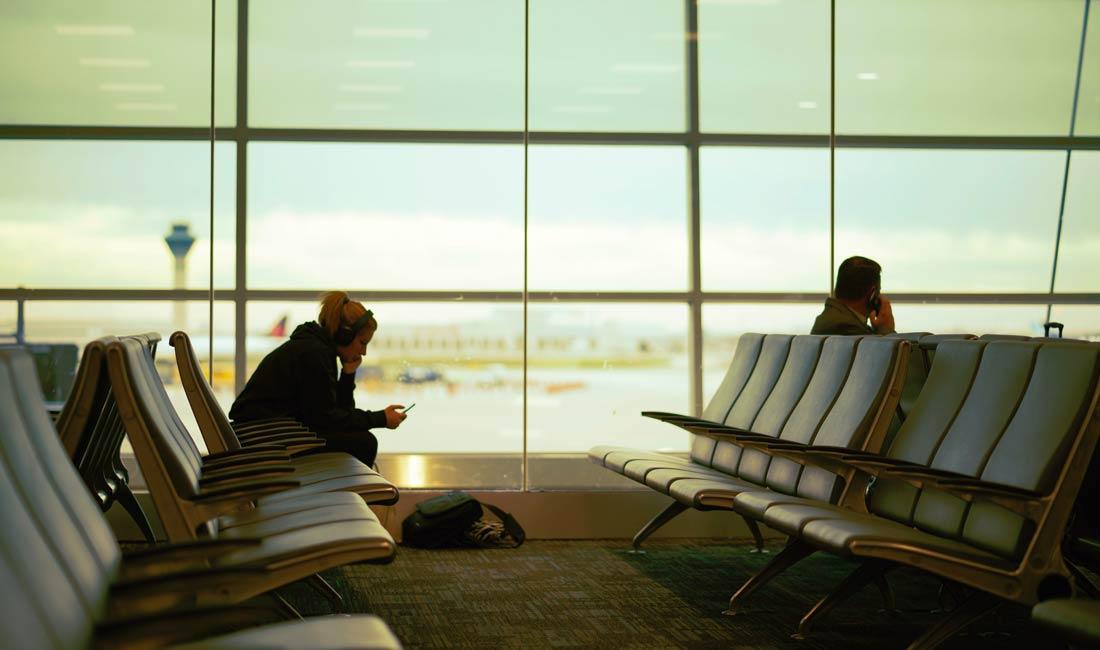 в ожидании самолета