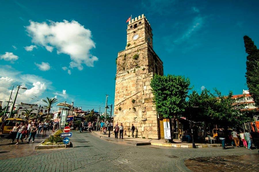 Башня Саат Кулеси