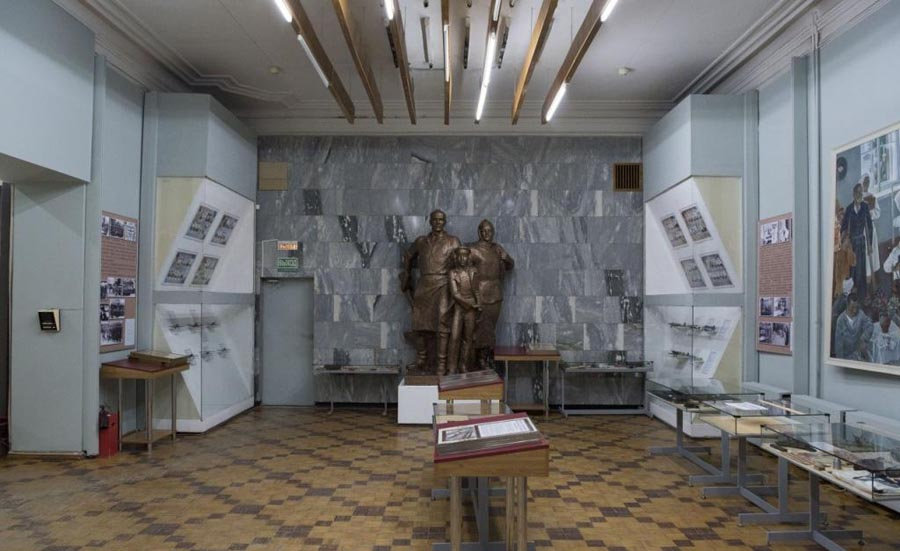 Внутри музея войнам