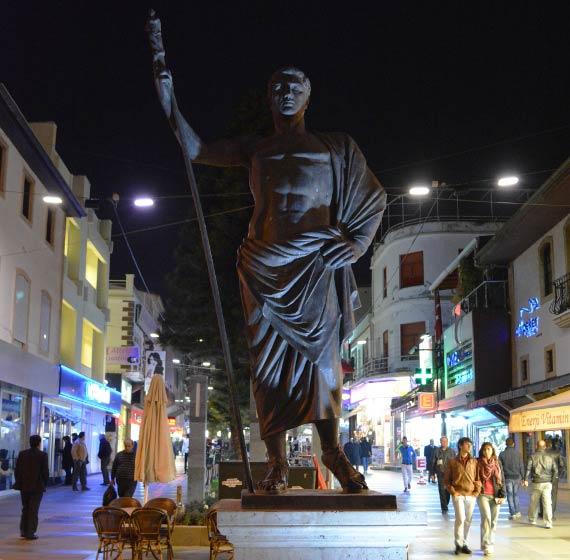 Памятник Атталу П