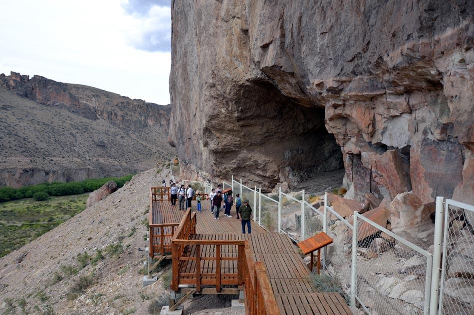 Пещера Куэва-де-лас-Манос