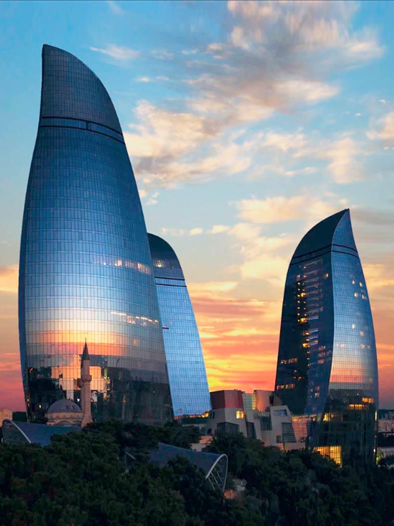 Высотные здания в Баку