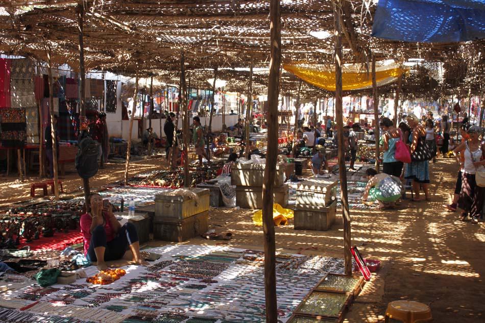 Рынок в Анжуне