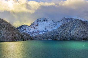 Озеро Рица в феврале