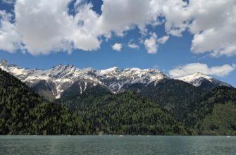 Фото озера Рица в Абхазии