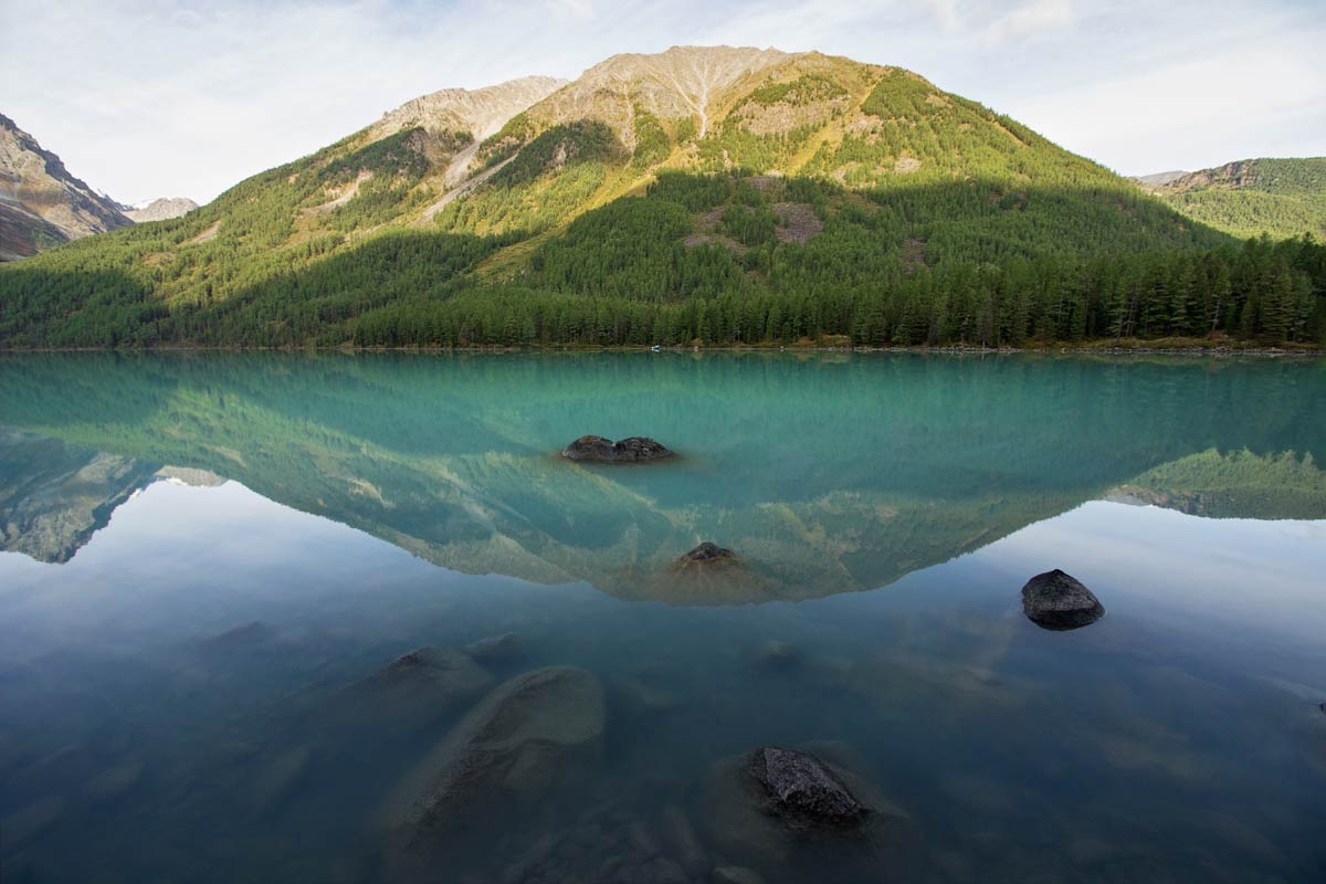 Озеро у реки Кучера