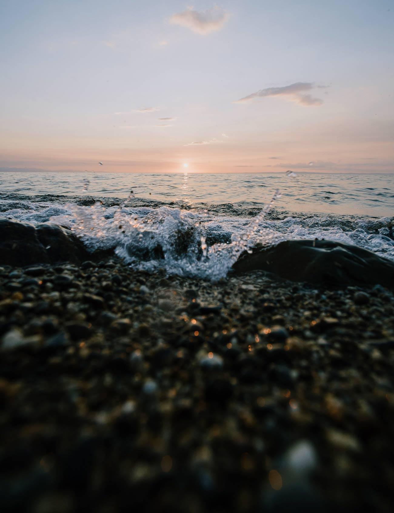 Волны на озере