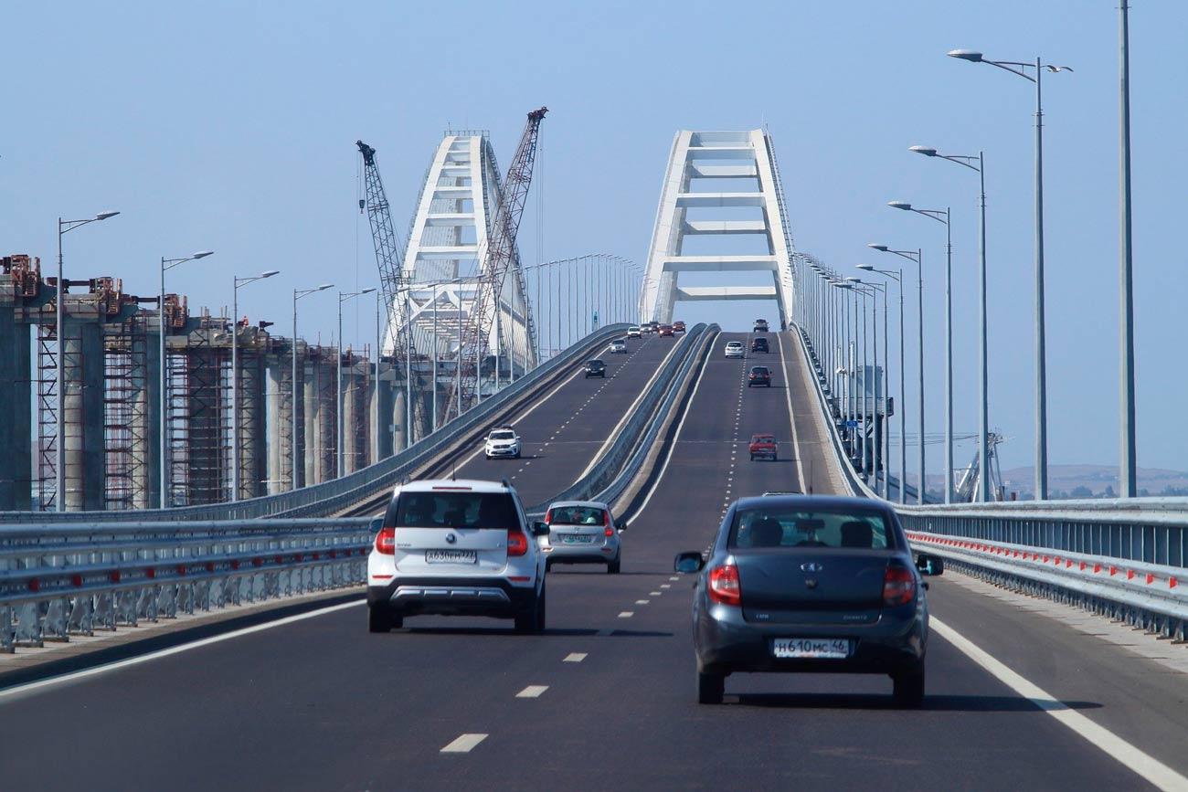 Автомобильный мост в Керчи